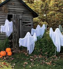 Realistic Outdoor Halloween Decorations by The 25 Best Halloween Ghost Decorations Ideas On Pinterest