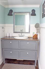 Cottage Bathroom Vanity by Best 25 Small Cottage Bathrooms Ideas On Pinterest Small