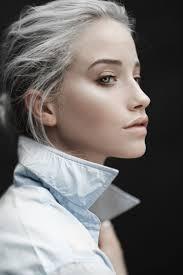 prix coupe de cheveux femme cheveux gris mode 2016 une tendance qui vient avec un prix