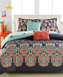 Queen Comforter On King Bed Bedroom Interesting Decorative Bedding With Comfortable Coral