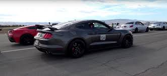 vs sports car video toy shelby gt350r vs shelby gt350r drag racing burnouts and rev ups