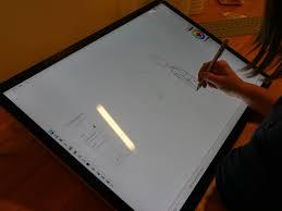 ecran tactile pc bureau prise en du surface studio le pc de microsoft qui joue sur les