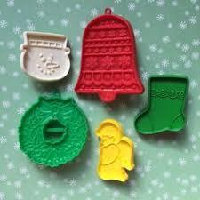 vintage hallmark christmas cookie cutters wreath bell vintage