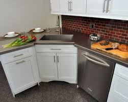 minimalist brick backsplash design with white kitchen cabinets