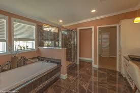 beautiful master bath in the la belle iv x4769h in florida 4