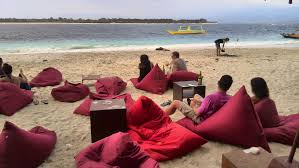 gili trawangan nightlife guide the drinking traveller