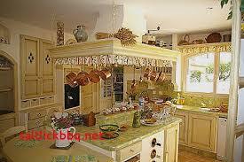 decoration provencale pour cuisine carrelage provencal cuisine pour idees de deco de cuisine élégant