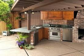 construction cuisine d été cuisine d ete bois cuisine d ete en bois briques four frigo