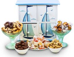 canada gift baskets s day gift baskets cakes delivery canada gifts for