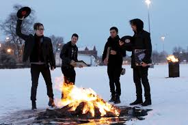 Who Sings Light Em Up Five Tracks That Predicted Fall Out Boy U0027s U0027my Songs U0027 Makeover Spin