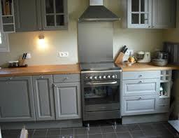 peindre une cuisine en gris une cuisine entièrement repeinte la cuisine cuisines et cuisiner