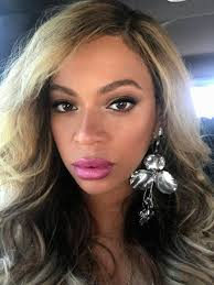 beyonce earrings so beyoncé zoomed in closer with a selfie beyonce s earrings