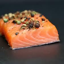 cuisine pavé de saumon pavé de saumon grandguillaume saumon mi cuit fumé aux poivres