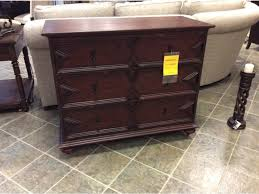 clearance living room thomasville edinburgh hall chest desk was