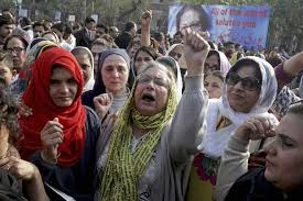 bid farewell mourners bid farewell to pakistan s human rights icon asma jahangir