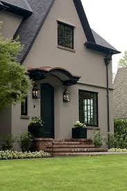laurelhurst house front door the body is color benjamin moore ac