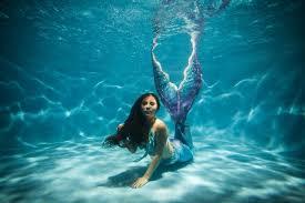 1 000 americans work as mermaids and mermen full time reports fast
