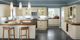 cream kitchen cabinets what colour walls rooms