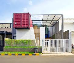 four overlapping shipping containers make a charming multi