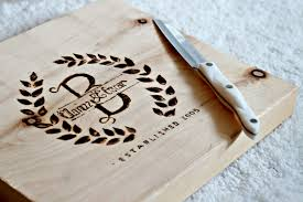 monogramed cutting boards diy personalized cutting board how to burn wood engraving wood