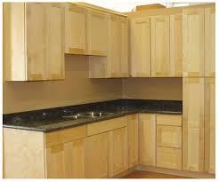 natural maple kitchen cabinets