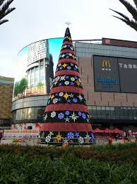 Bronner S Commercial Christmas Decorations by 9 Best Commercial Christmas Trees Images On Pinterest Commercial