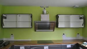 fixer une cuisine sur du placo fixer meuble haut cuisine placo