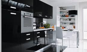 magasin pour la cuisine exemples pour une déco cuisine noir et violet