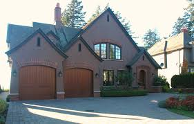 moving three level house design with fantastic exterior color nice