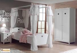 chambre d enfant complete chambre pour enfant complète avec lit baldaquin armoire et chevet