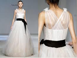 vera wang wedding dresses 2010 vera wang fall 2010 oshiro