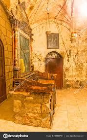 la chambre obscure 2000 chambre église sépulcre photographie dbajurin 145458769