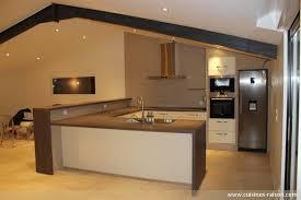 cuisine design en u cuisine en u avec bar 0 cuisine integree meubles blancs sol en