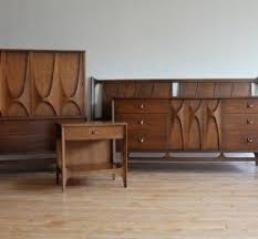 Solid Walnut Bedroom Furniture by Walnut Bedroom Set U2039 Decor Love