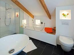 bodenbelã ge badezimmer wohndesign kleines wohndesign badideen fliesen fliesen fr den