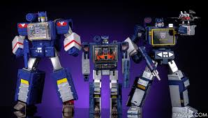 Sound Wave by Titans Return Soundwave In Hand Gallery Transformers News Tfw2005