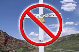 roadside memorial crosses banning roadside memorials can arlington national cemetery be