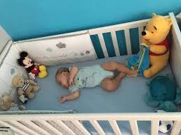 bébé dort dans sa chambre ce soir on essaye le grand lit avril 2015 babycenter