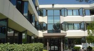 bureau a louer location vente de bureaux cbre