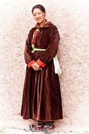ladakh clothing handicraft ladakh ecological development