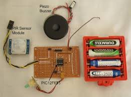 motion detection alarm using a pir sensor module with a pic
