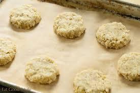 almond oat cookies