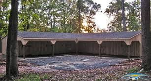 Garages That Look Like Barns by L Shaped Barns L Shaped Horse Barns Horizon Structures