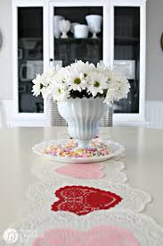 valentines table decorations 10 minute valentines table decor today s creative life