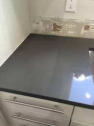 Dark Grey Kitchen Cabinets by Best 25 Gray Quartz Countertops Ideas On Pinterest Grey