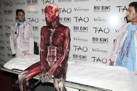 heidi klum seal halloween party heidi klum really did manage to scare everyone at tao for her