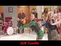 performance of come see about me from thanksgiving glee