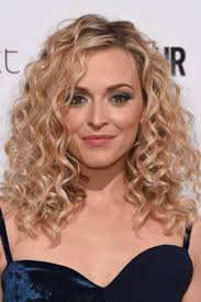 corkscrew hair clever hairstyles to give hair volume