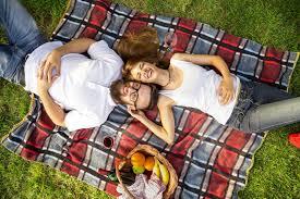 erste hochzeitstag der erste hochzeitstag romantische ideen für die papierhochzeit