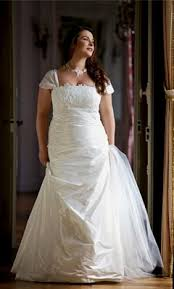robe de mariã e ronde les mariées rondes à l honneur collections 2012
